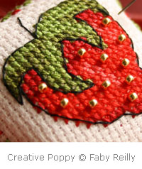 Petite Faby - Strawberry pincushion - cross stitch pattern - by Faby Reilly Designs (zoom 1)