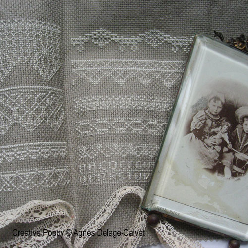 Lace motifs to cross stitch