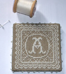 Lace monogram pinkeep Agnès Delage-Calvet (alphabet included)