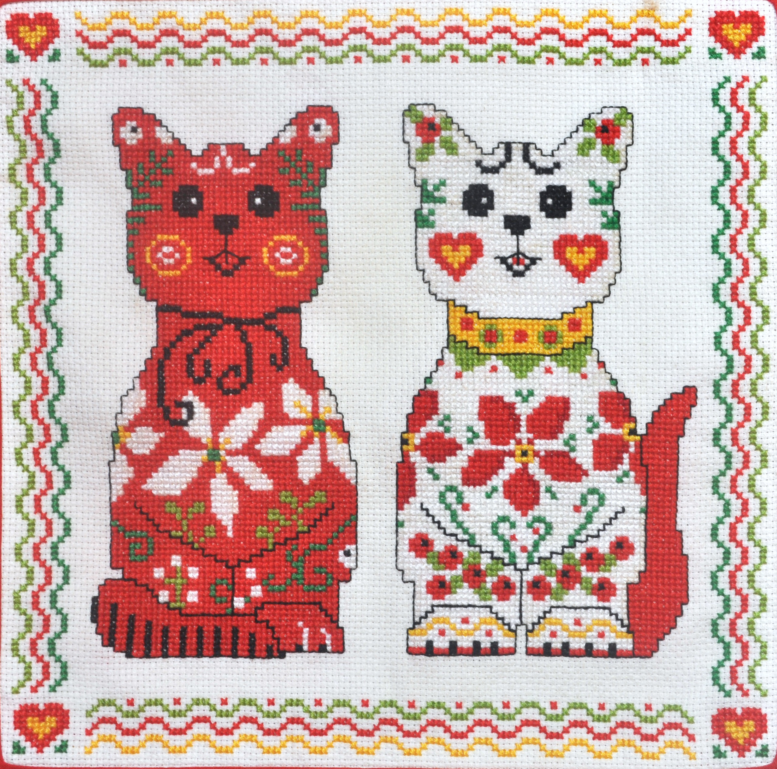 Two elegant cats, counted cross stitch chart, designed by Iveta Hlavinova