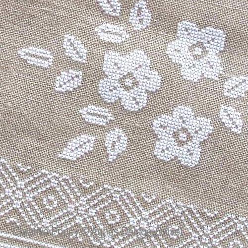 White flower borders - cross stitch pattern - by Agnès Delage-Calvet (zoom 1)