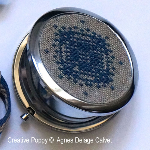Agnès Delage-Calvet - Mirror and Phone case zoom 1 (cross stitch chart)