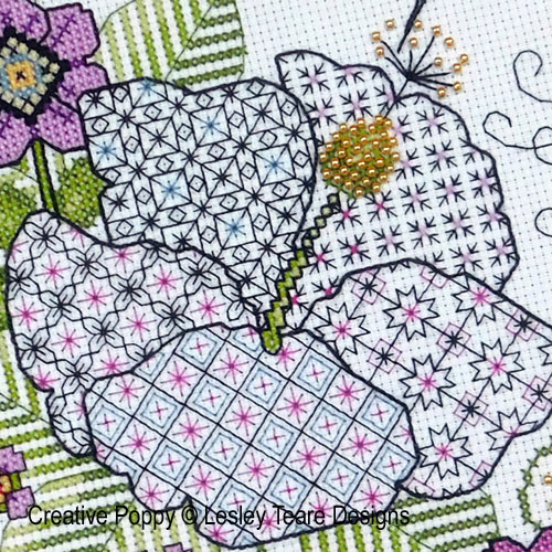 Hibiscus and Hummingbird cross stitch pattern by Lesley Teare designs, zoom 1