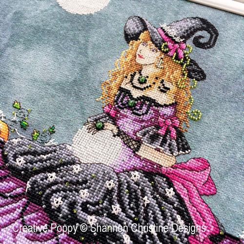 Shannon Christine Designs - Luna zoom 1 (cross stitch chart)