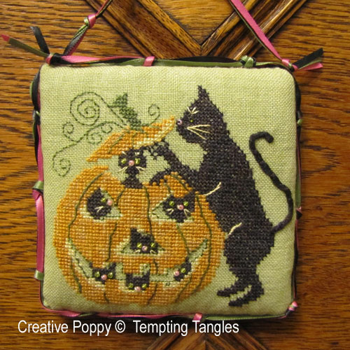 Tempting Tangles - Punkin Play (cross stitch chart)