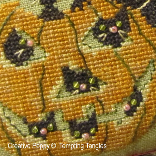Tempting Tangles - Punkin Play zoom 1 (cross stitch chart)
